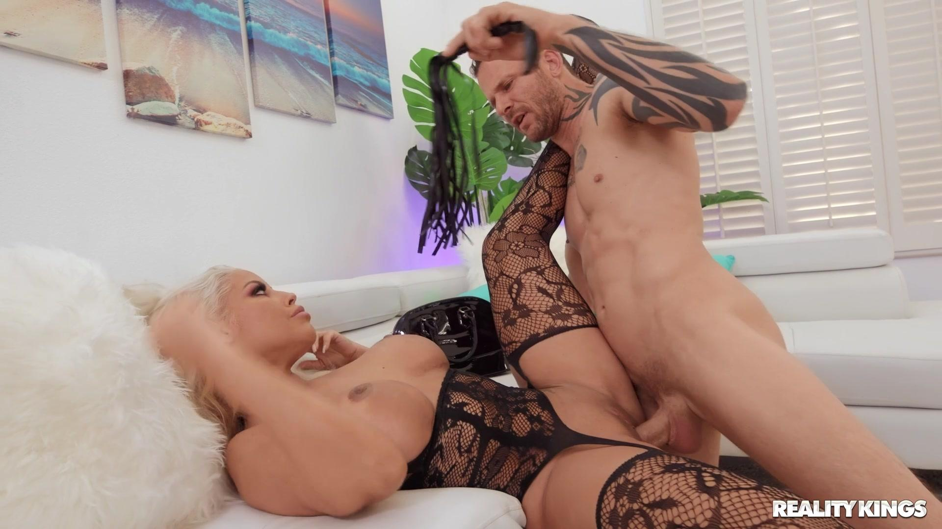 Sneaky Sex – Bridgette B Take Notes