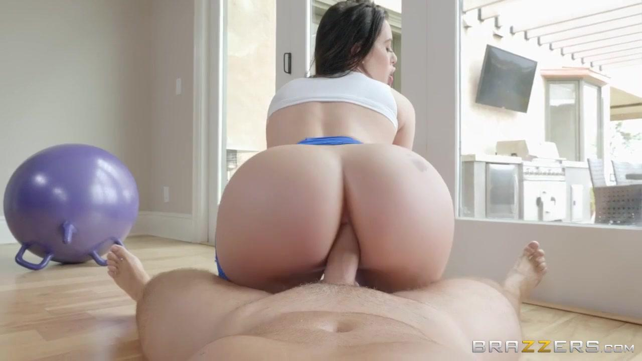 Big Wet Butts – Lana Rhoades – Exercise Balling