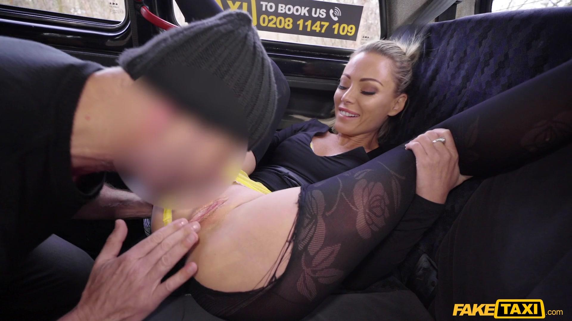 Fake Taxi – Isabella Deltore